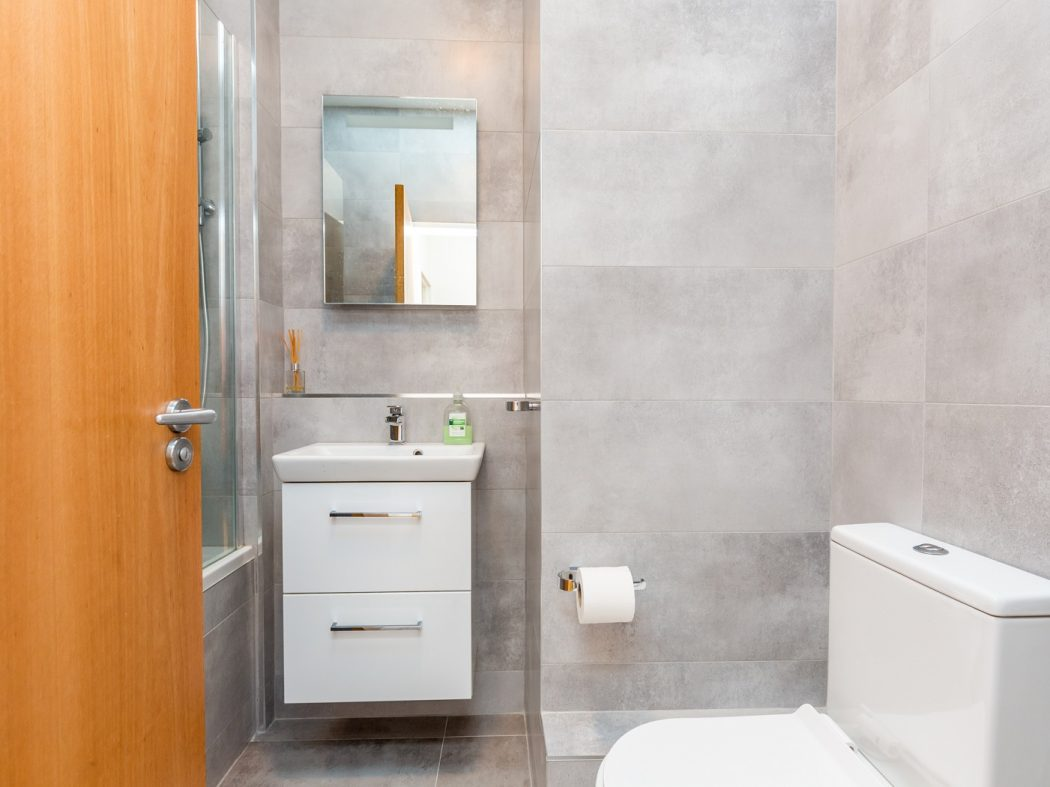165 Skellig - Bathroom 2
