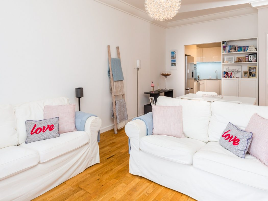 165 Skellig - Living room 2