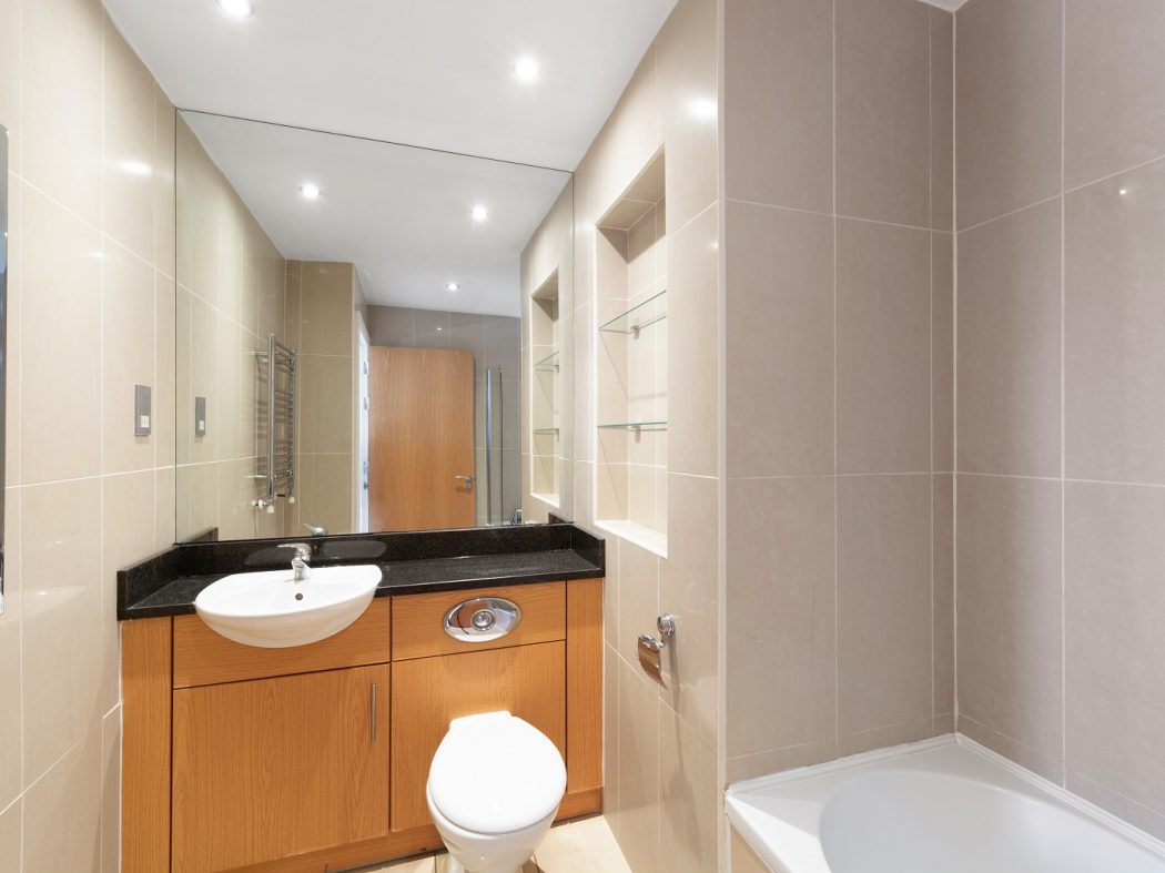 508 Shelbourne Plaza - Ensuite