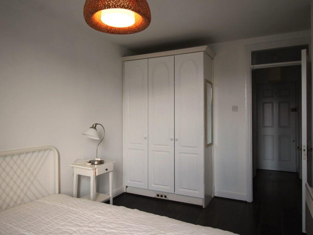 71 Bachelors - Bedroom 2