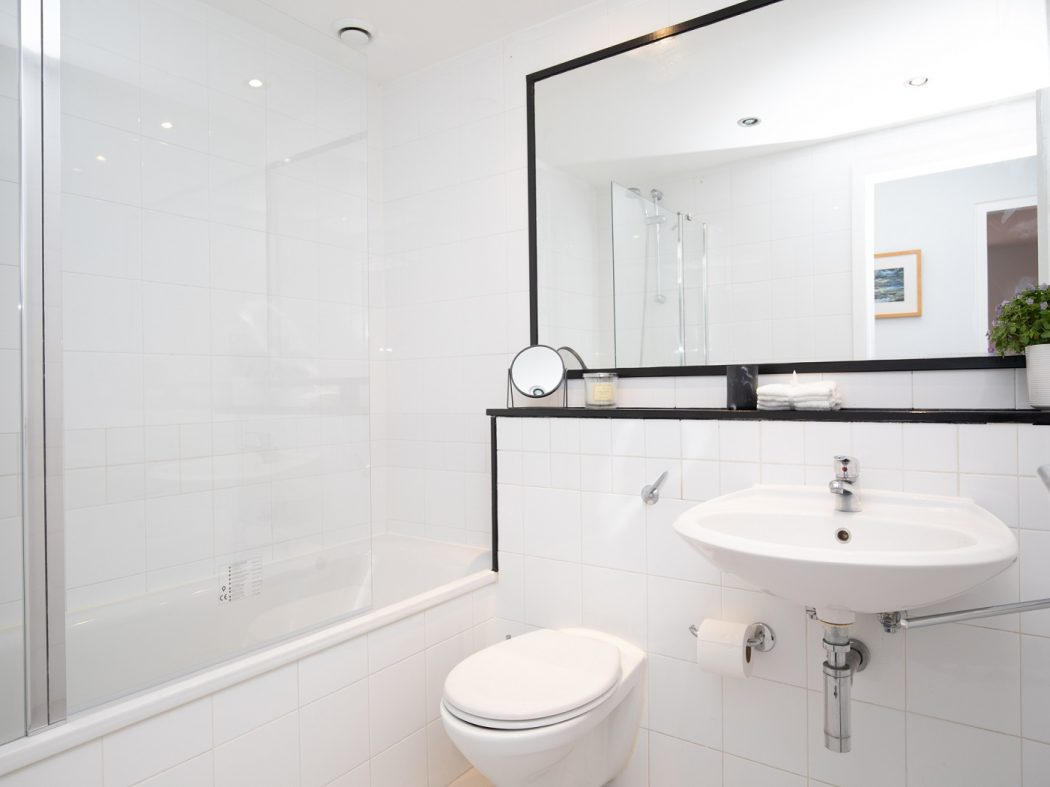 7CQ - Bathroom