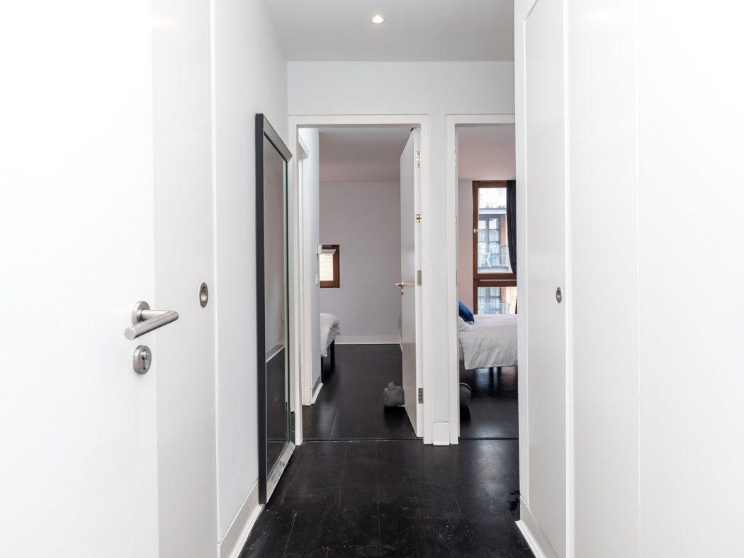 7CQ - Entrance hallway