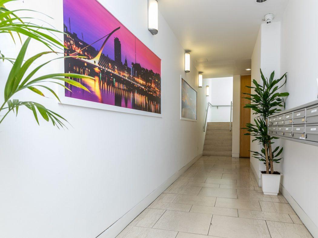 7CQ - Internal hallway