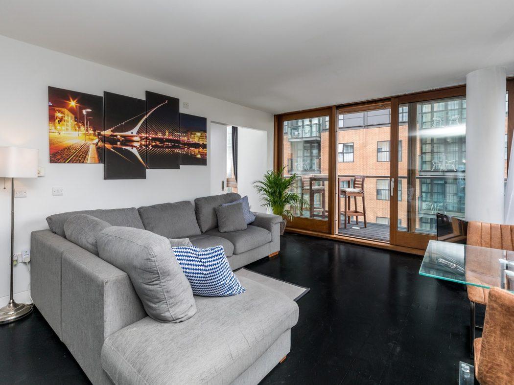 7CQ - Living room