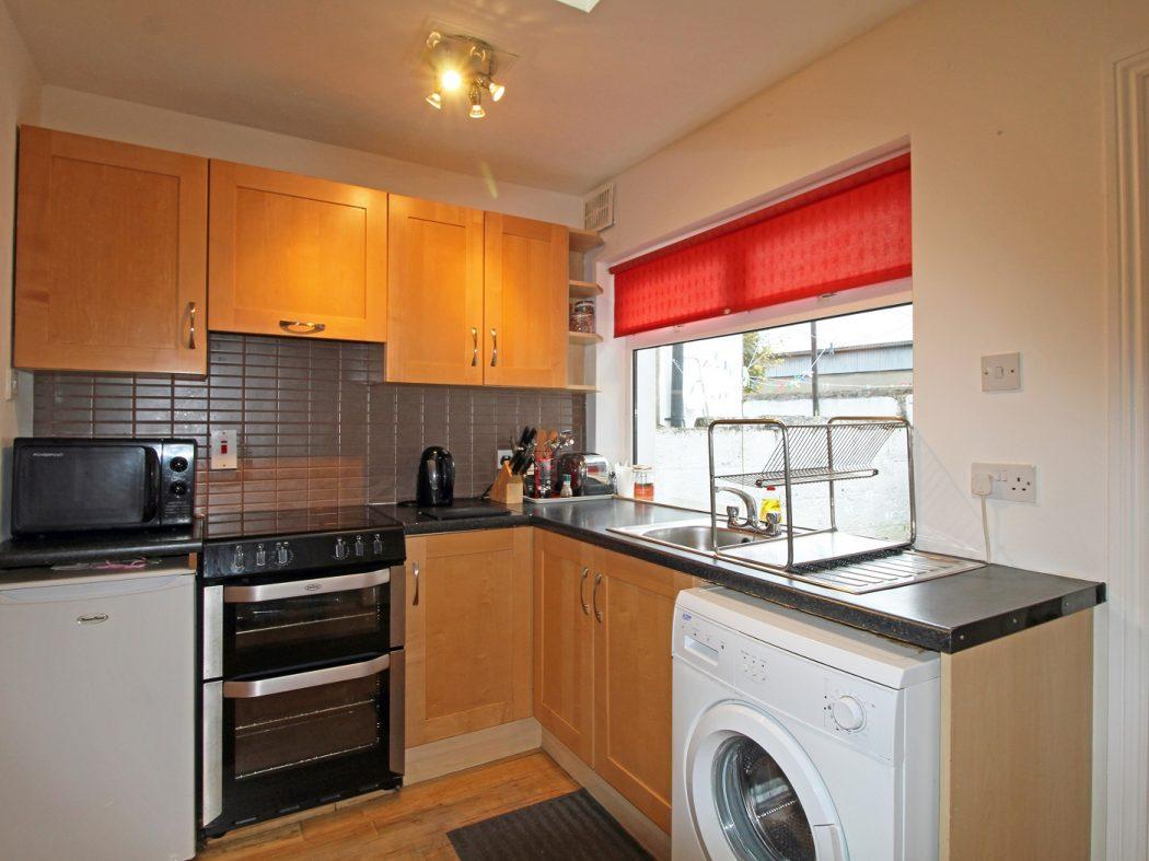 kitchen cooker