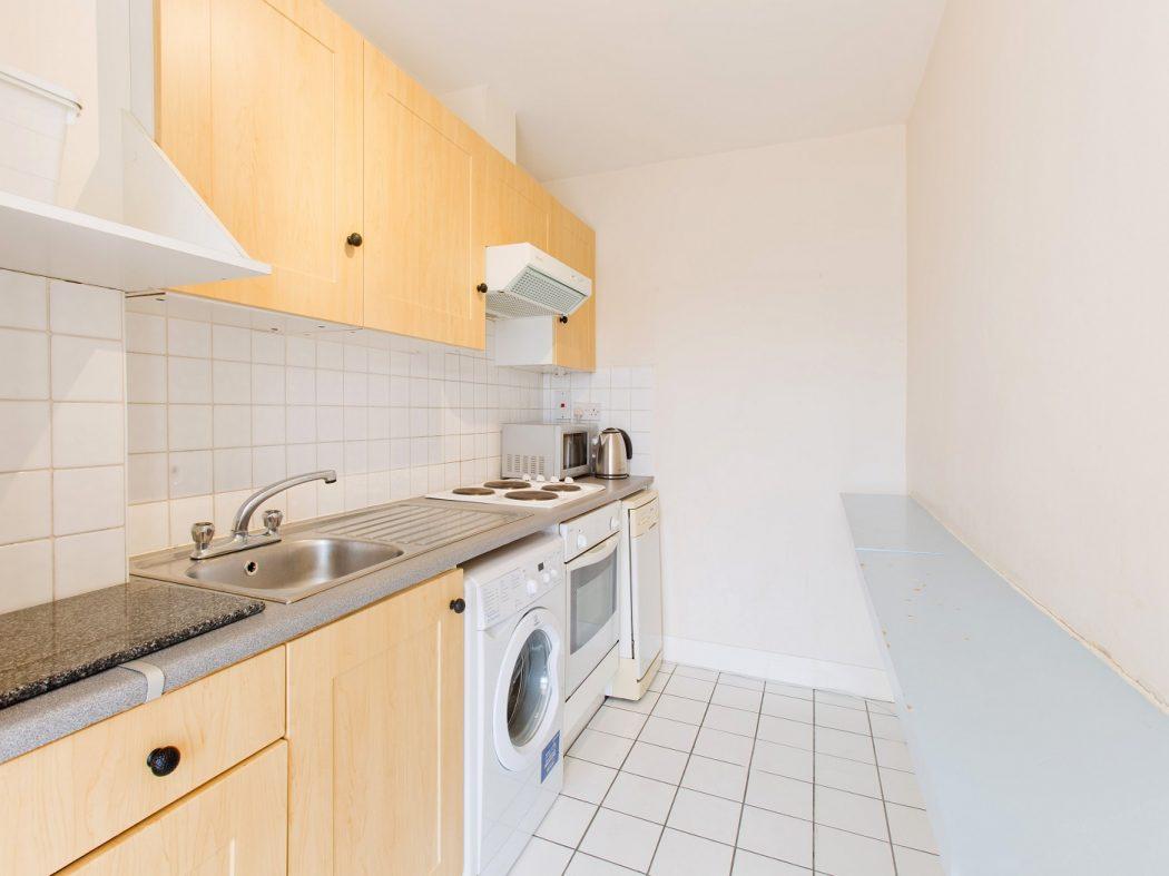 145 TJ - Kitchen