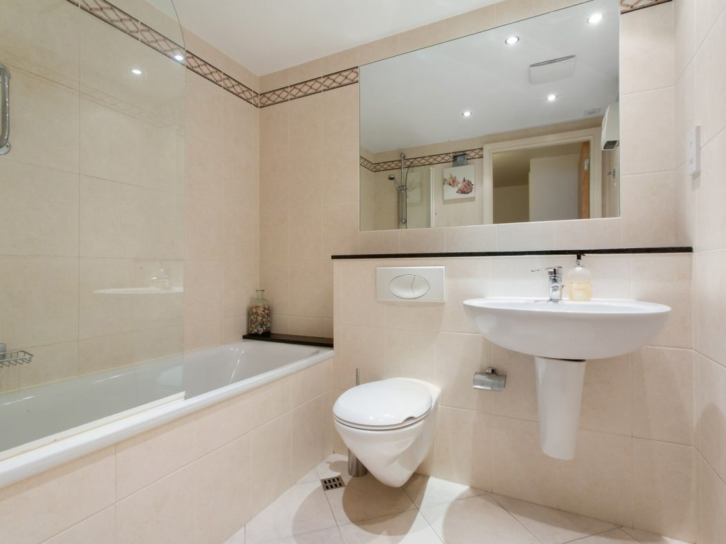 408 Longboat Quay South - Bathroom