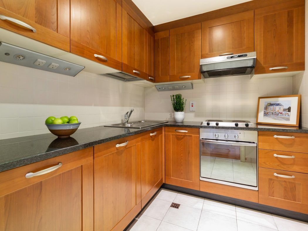 415 SLQ - Kitchen