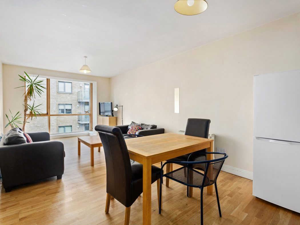 20B Cameron Court - Dining, living