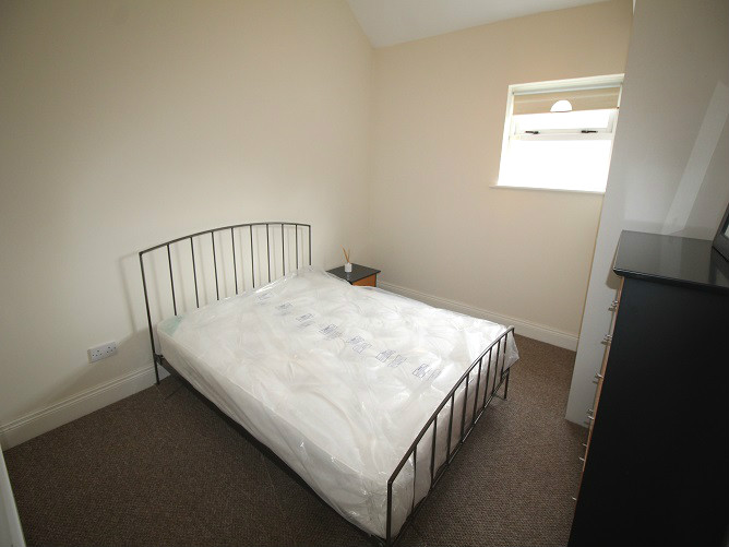 26 Haddington Square - bedroom 1