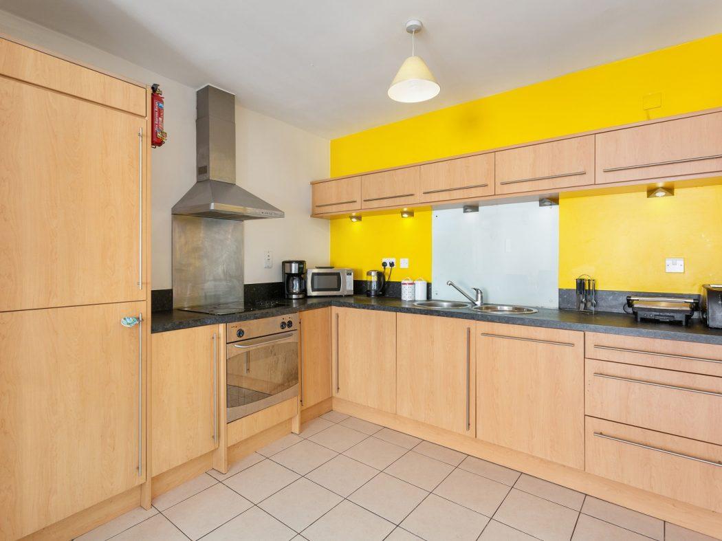 54 GS - Kitchen