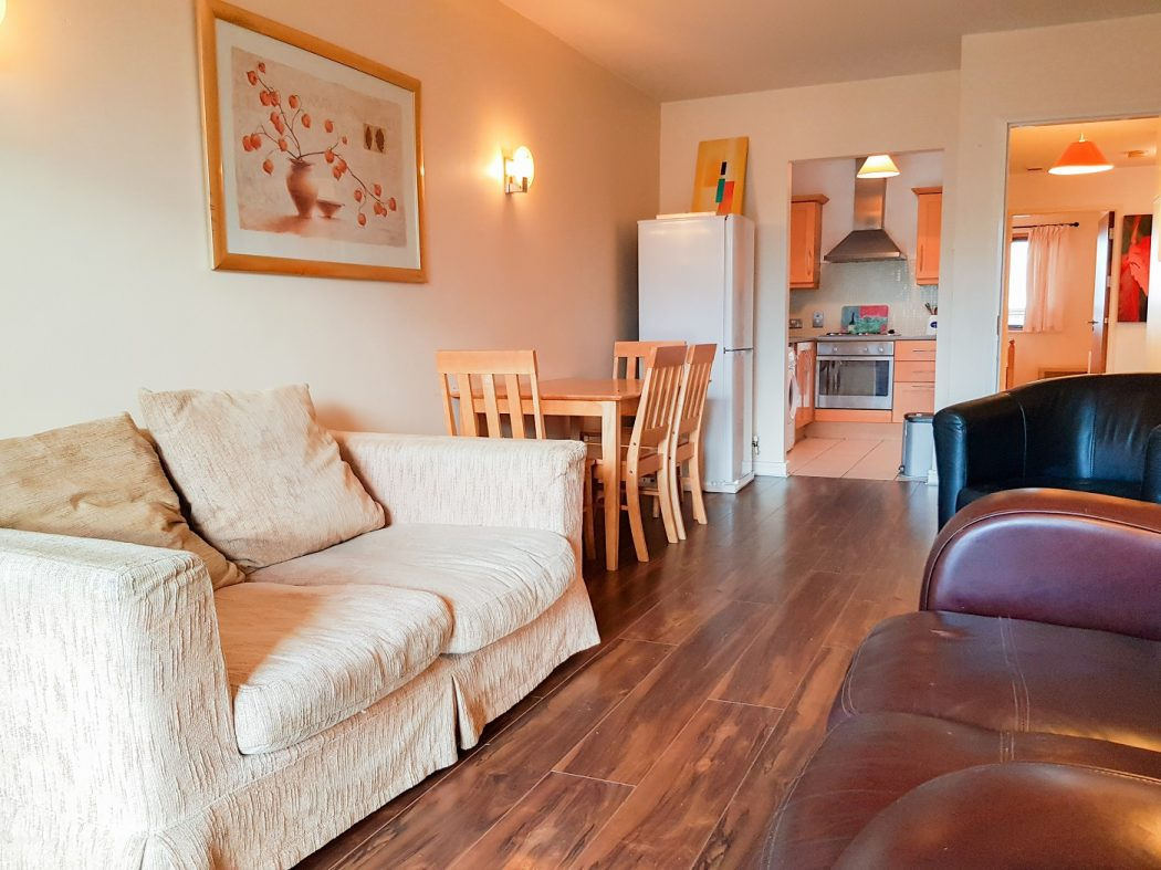 13 BH-Living room
