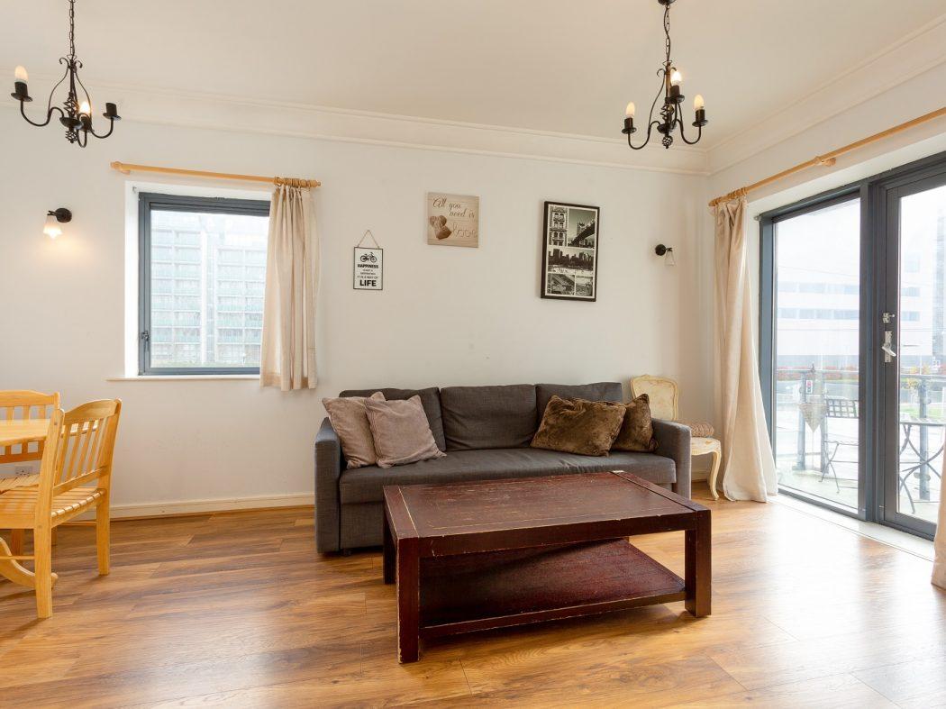 147 SH-Living room