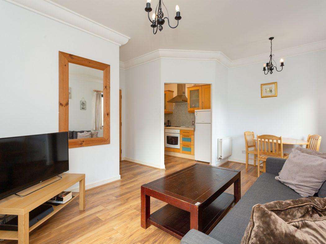 147 SH-Living room 2