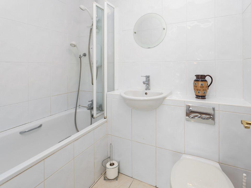 181 WS - Bathroom