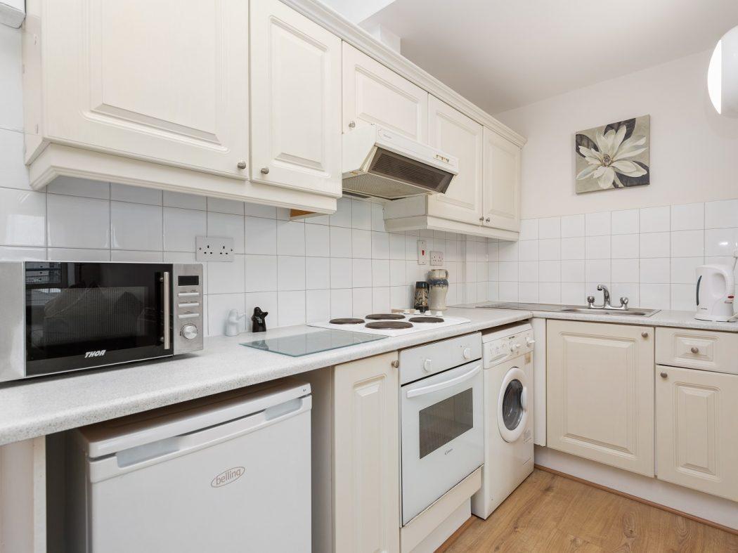 181 WS - Kitchen