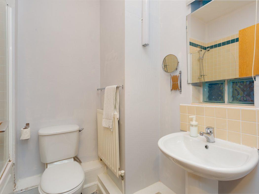 23 MH-Bathroom