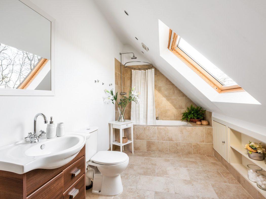 Goldenhill_10_family bathroom