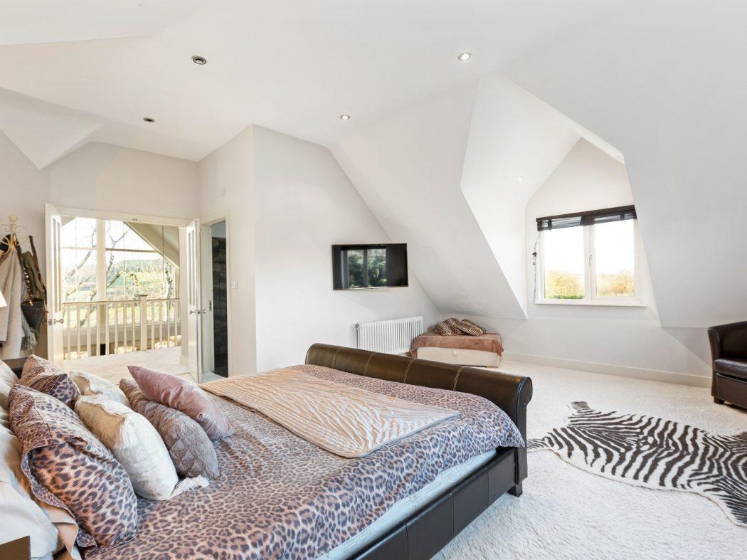Goldenhill_13_master bedroom