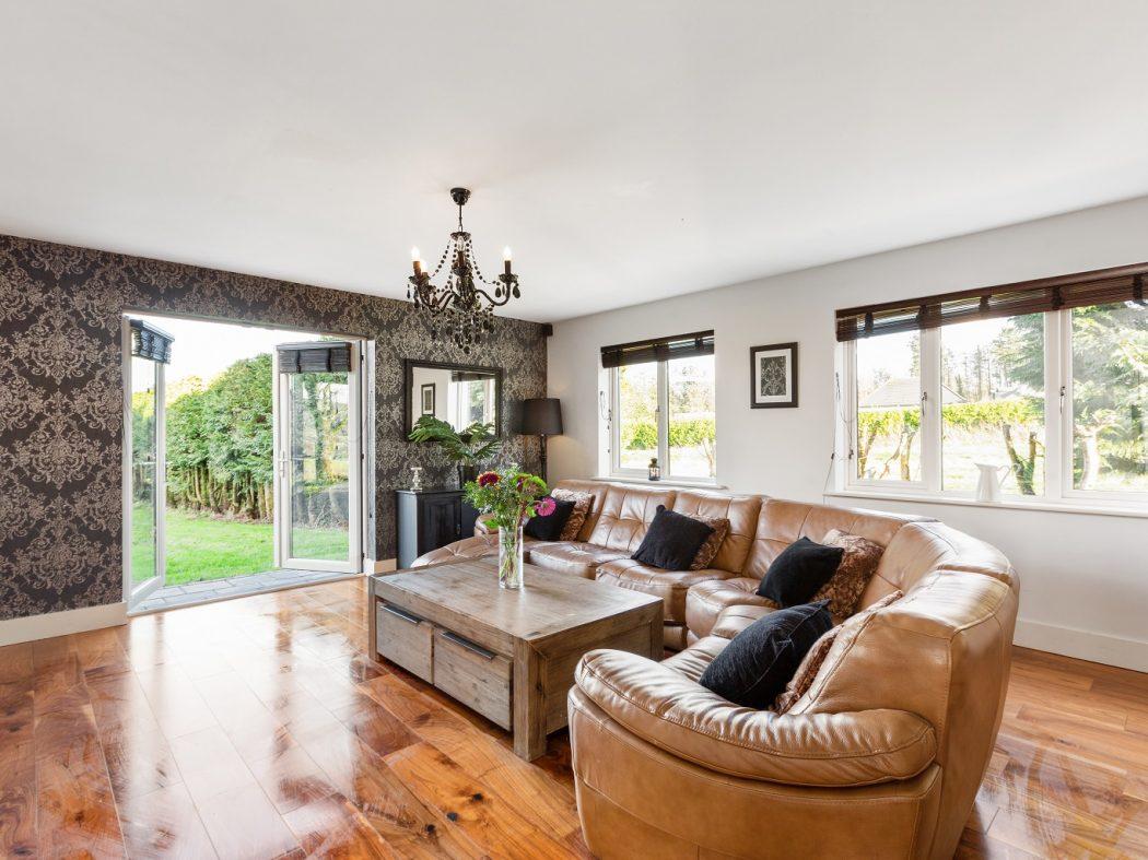 Goldenhill_7_living room