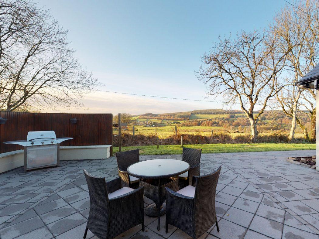 exterior patio table