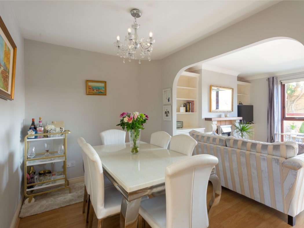 19 Glenmalure - Dining room