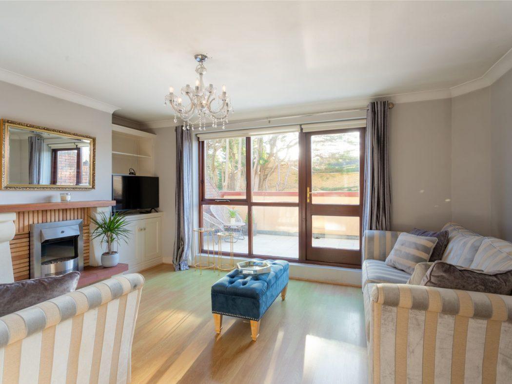 19 Glenmalure - Living room 2