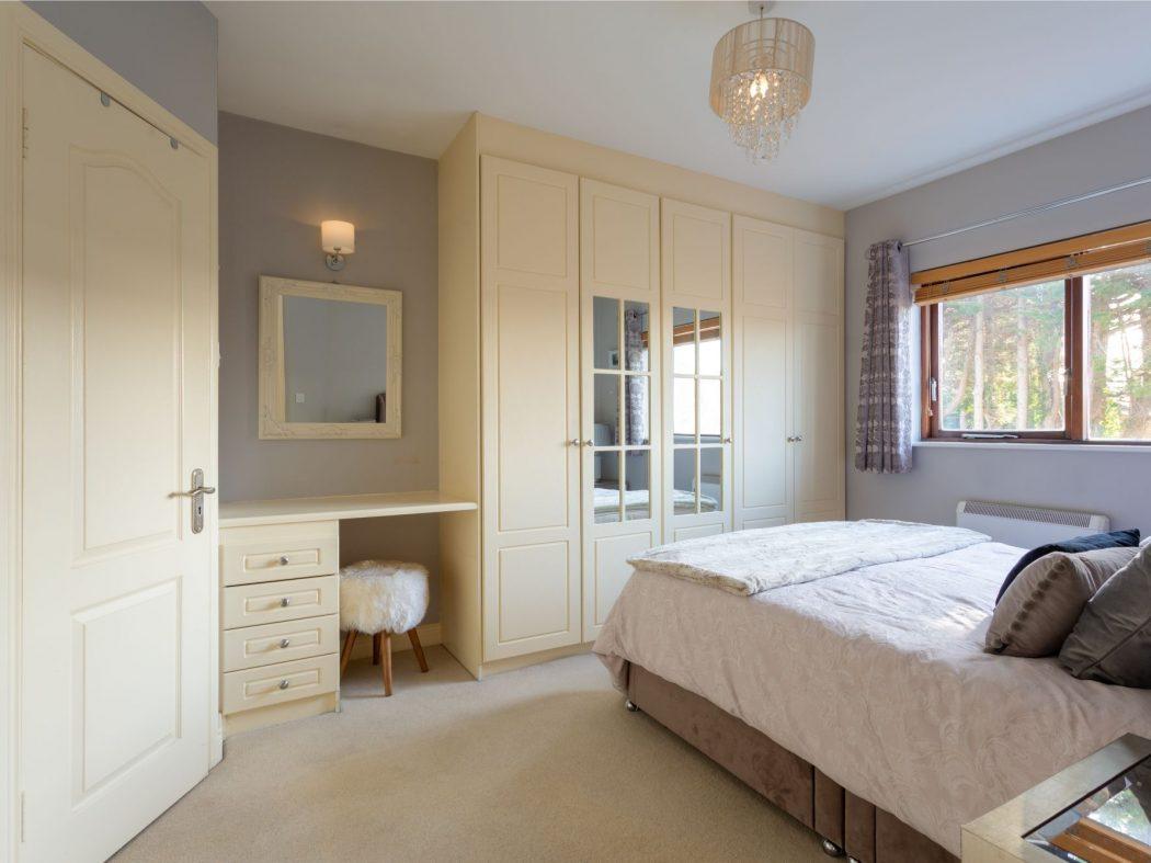 19 Glenmalure - Master bedroom