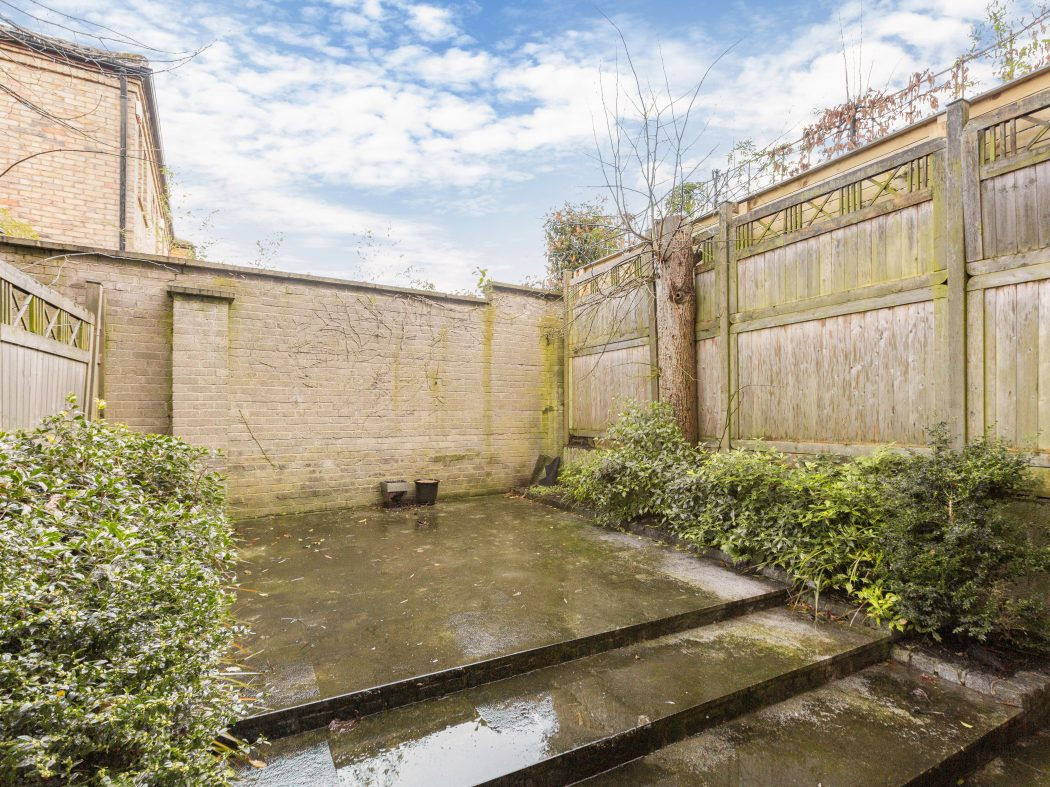 1 edward place rear courtyard