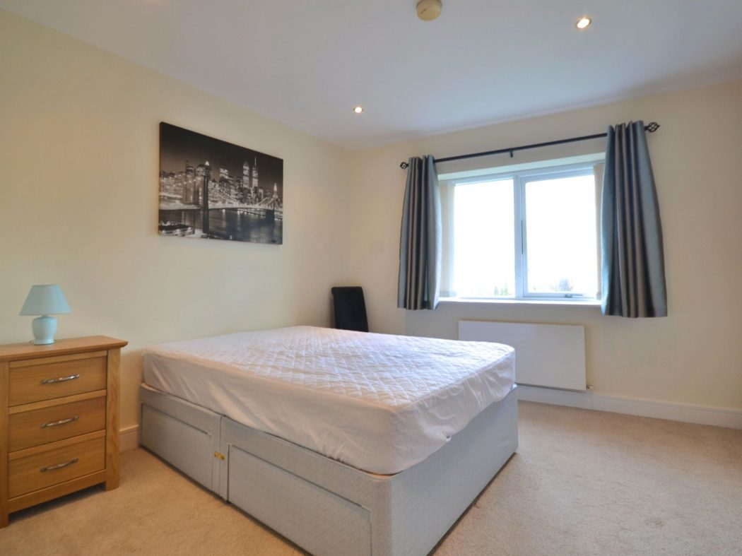 194 Wyckham - Bedroom1
