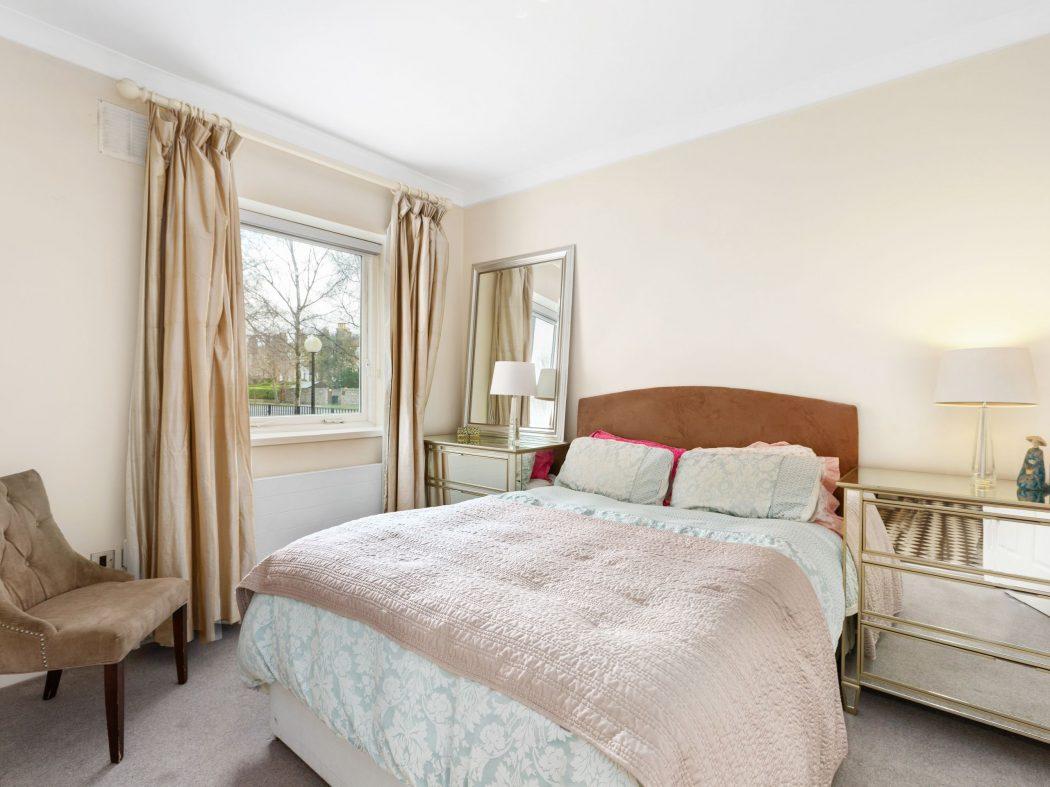 26 Wellington - Bedroom