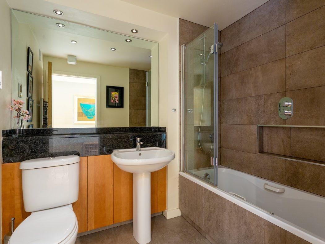 48 the clayton- bathroom