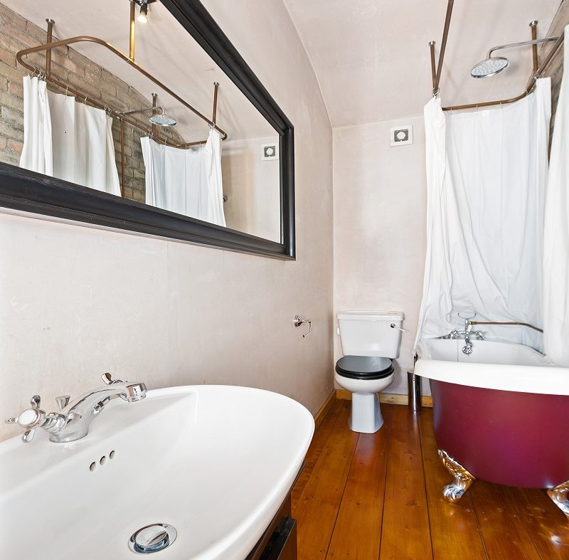 79 St Augustine St Bathroom