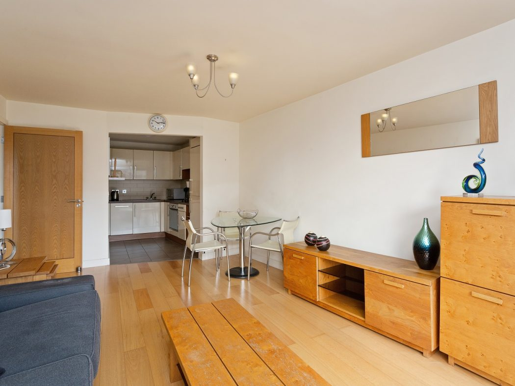 11 The Tannery - Living to kitchen