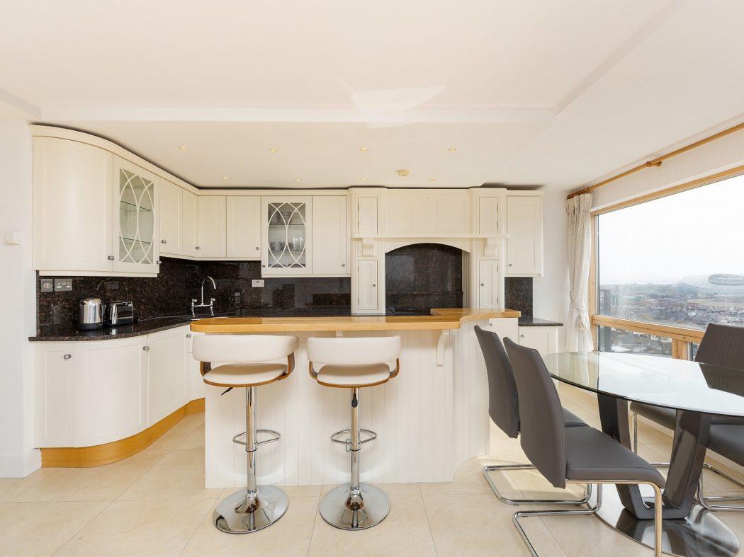 67 MT - kitchen