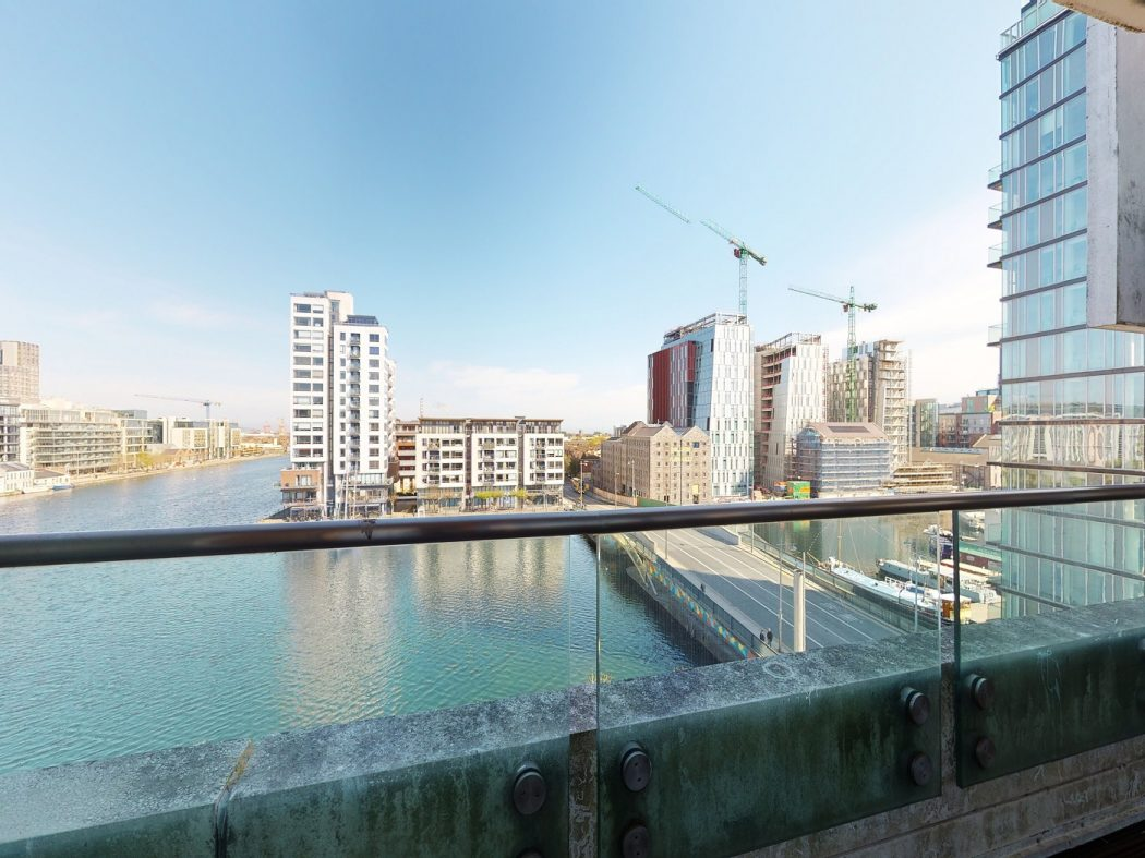 25 Gallery Quay - Balcony