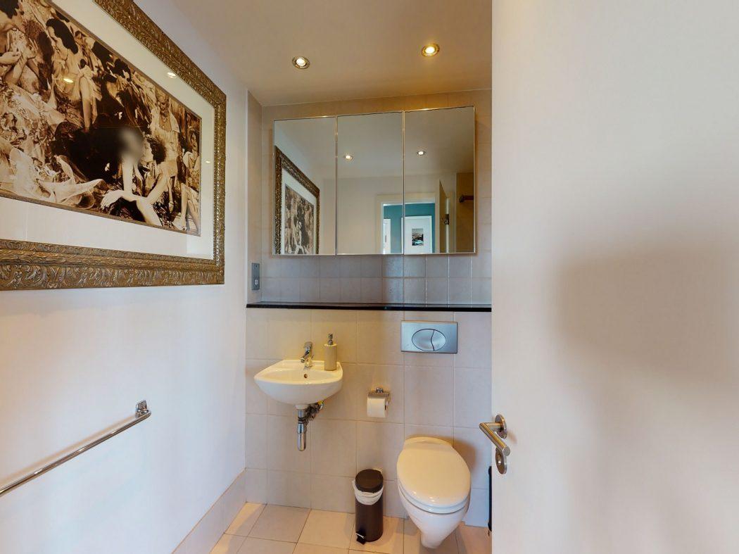25 Gallery Quay - Bathroom