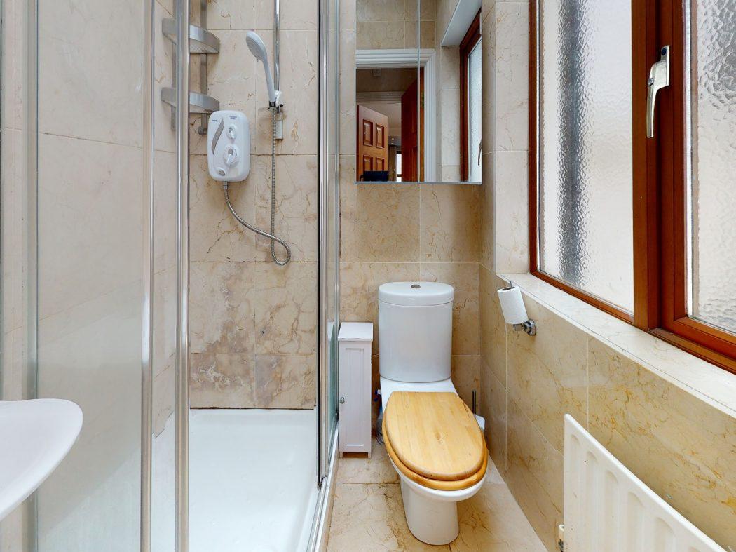 31 SDS - Bathroom