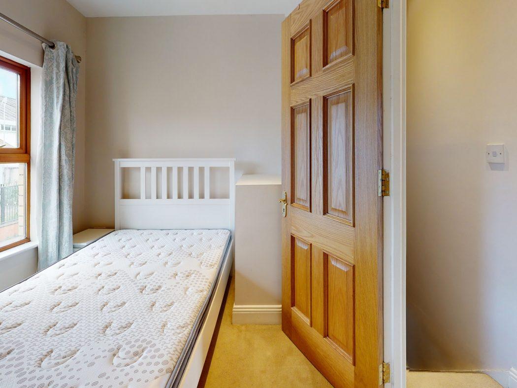 31 SDS - Bedroom
