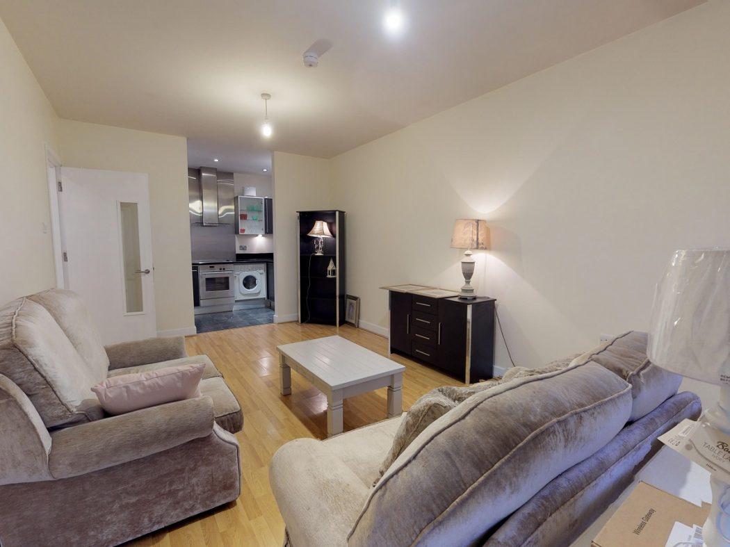 3 GQ B 1-Living-Room 2