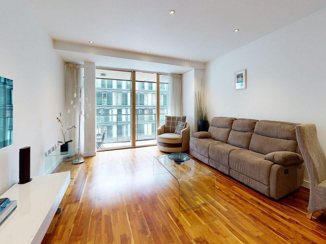 67 HD - Living room