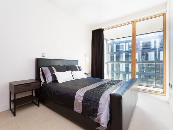 67 hanover dock-bedroom 2