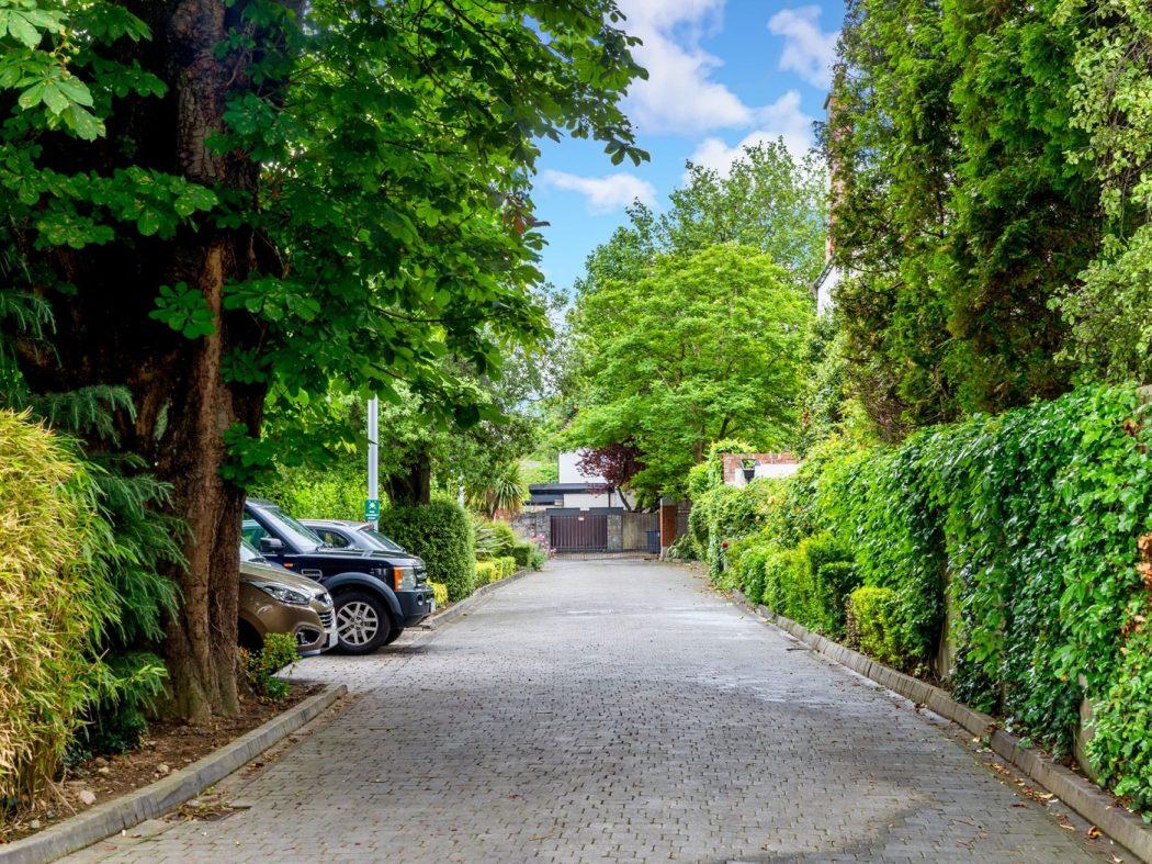 4 Glaunsharoon - driveway
