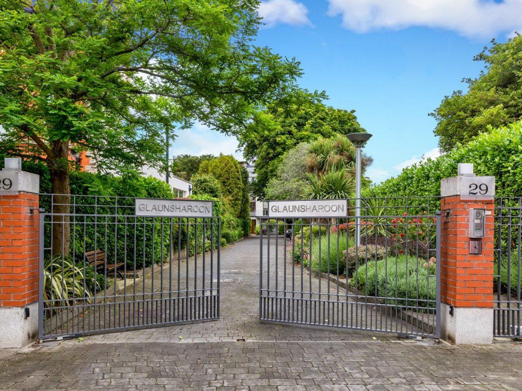 4 Glaunsharoon - gates