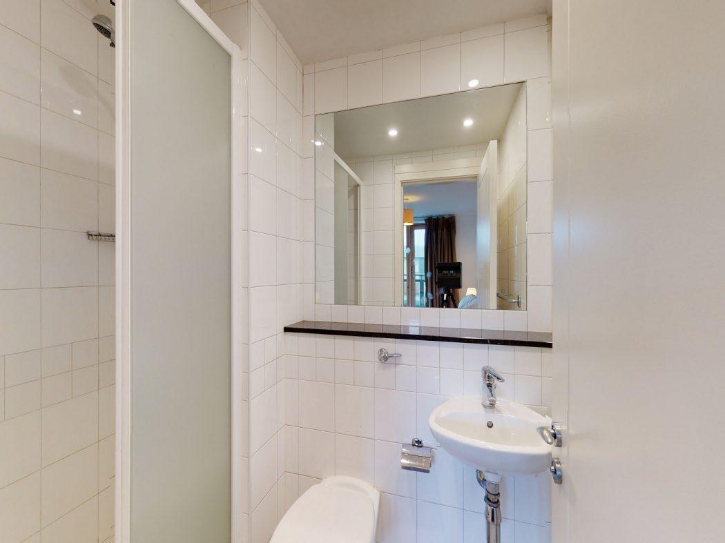 60 SM - Bathroom
