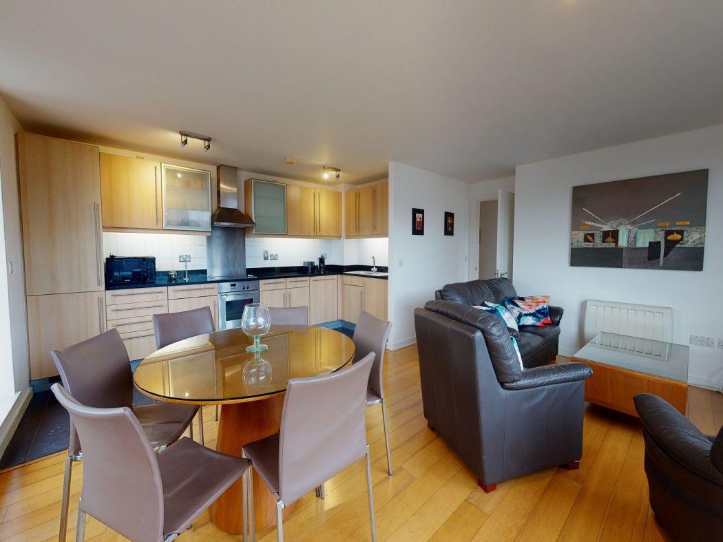 60 SM - Living-Dining room
