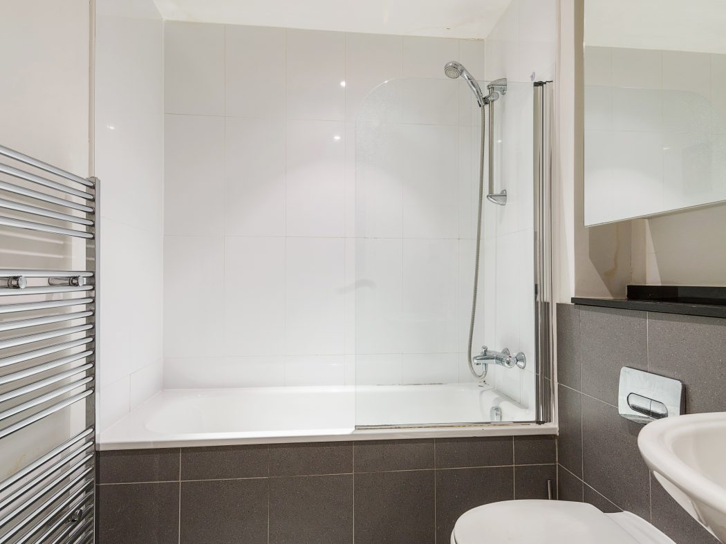 62 Forbes - Ensuite