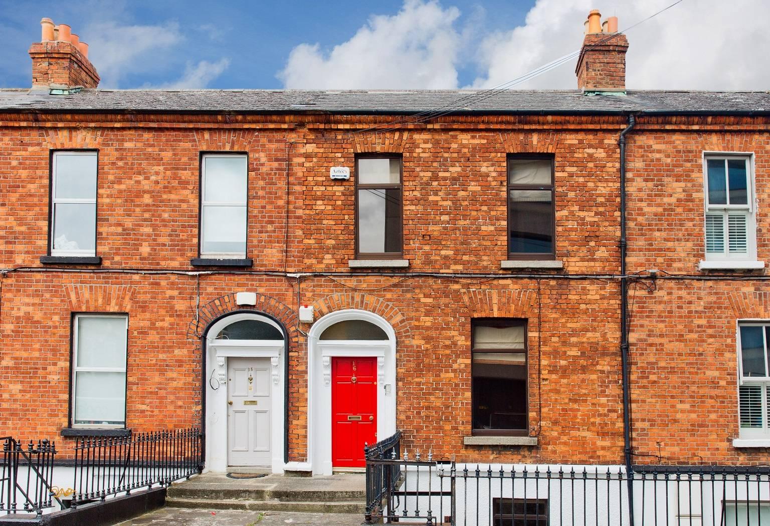 16 Grattan Street, Mount Street Lower, Dublin 2.